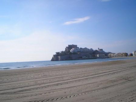 La playa Norte y el castillo de Peñiscola
