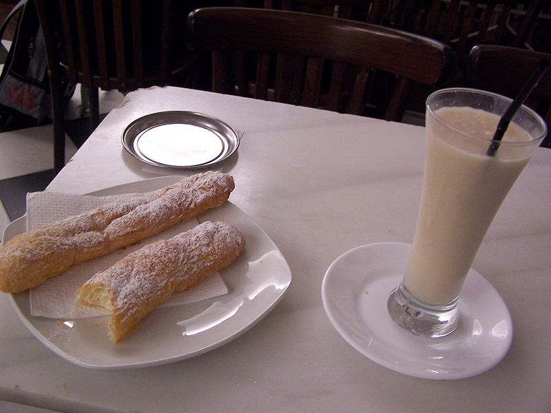 horchata y fartons de alboraya