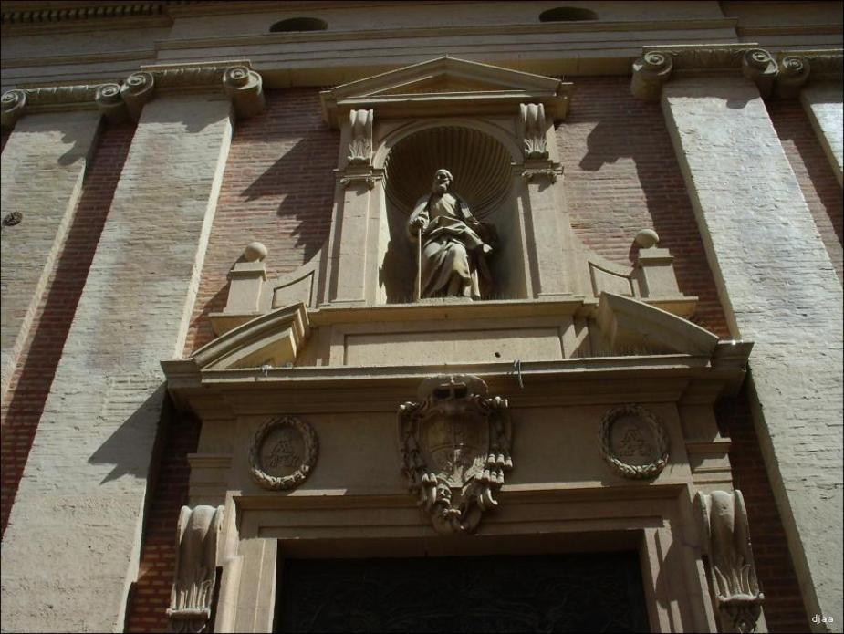Portada de l'església de Sant Josep de Calasanz a València
