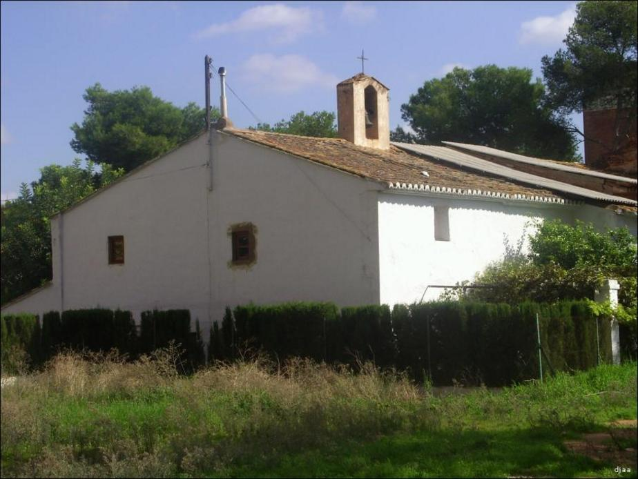 Vista trasera de la Ermita de San Miguel Arcangel