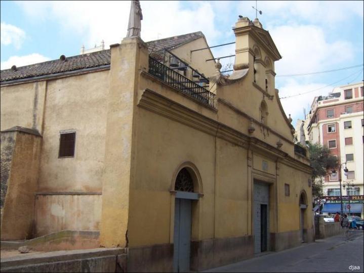 Vista lateral de la Ermita Santa Lucia