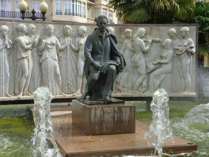 Font del Mestre José Serrano   en l'Av.Antic Regne de València