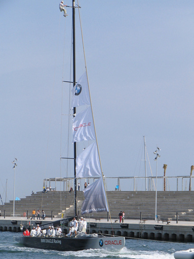 BMW Oracle Racing USA98 1