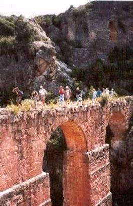 Acueducto romano en la localidad de Calles