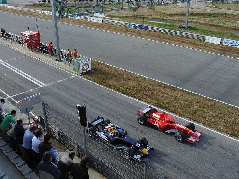 Coulthard en el circuit de la comunitat valenciana Ricardo Tromo en Cheste