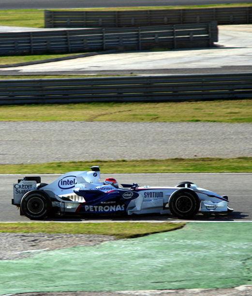 Robert Kubica testeando su auto en el Circuito  Cheste, Valencia