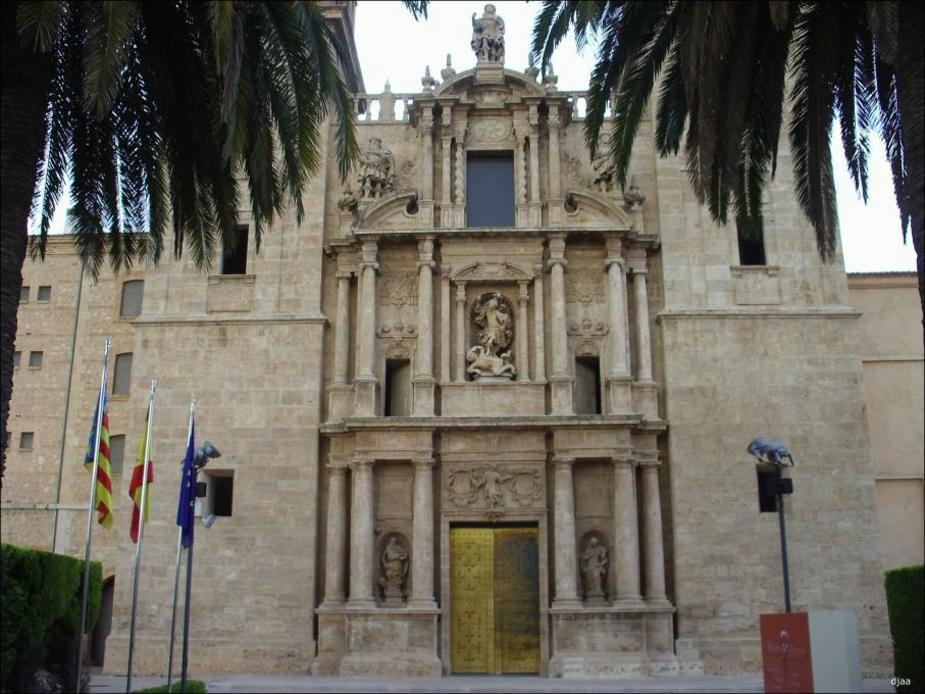 Vista de la Iglesia de el Monasterio de San Miguel de los Reyes