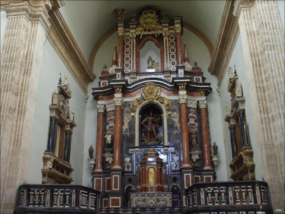 Altar mayor de la Iglesia de el Monasterio de San Miguel de los Reyes