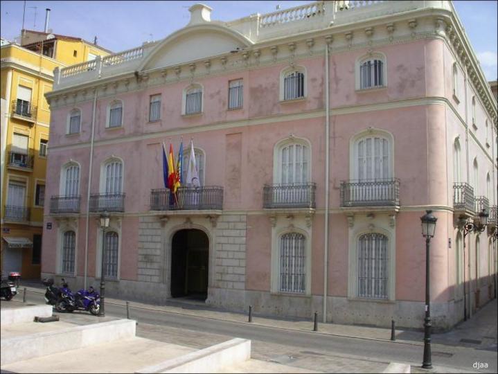 Fachada de el Palacio de la Marquesa Colomina