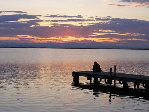 Puesta de sol en el lago de la Albufera