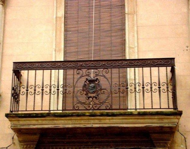 Balcones de Alfara del Patriarca