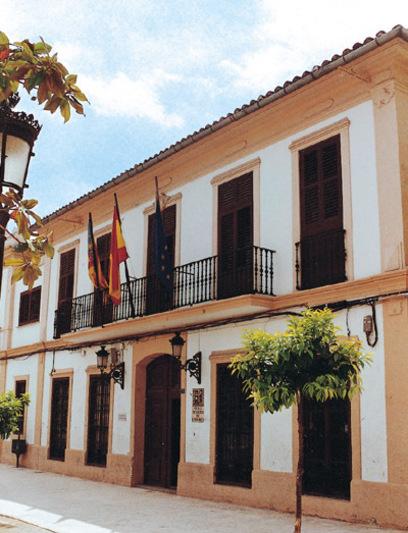 Fachada del Ayuntamiento  de Paterna