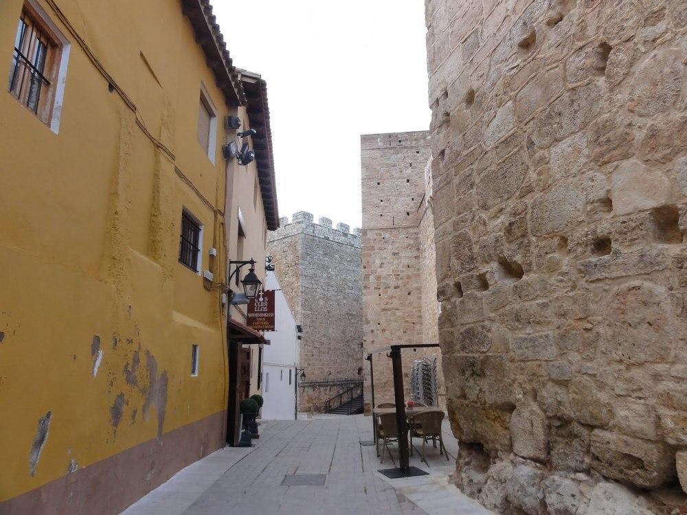 Calle de la Fortaleza en Requena