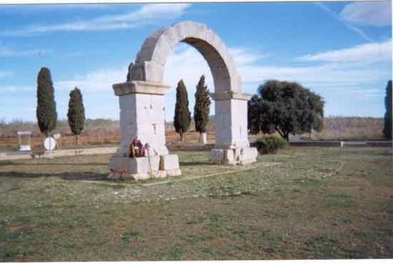Arco romano de Cabanes
