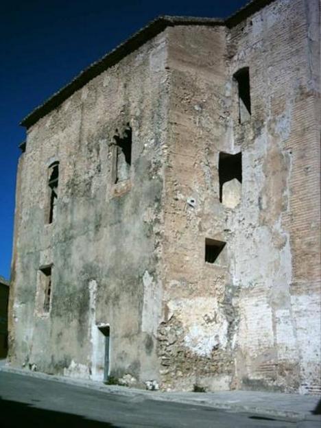 El castillo de Ribarroja