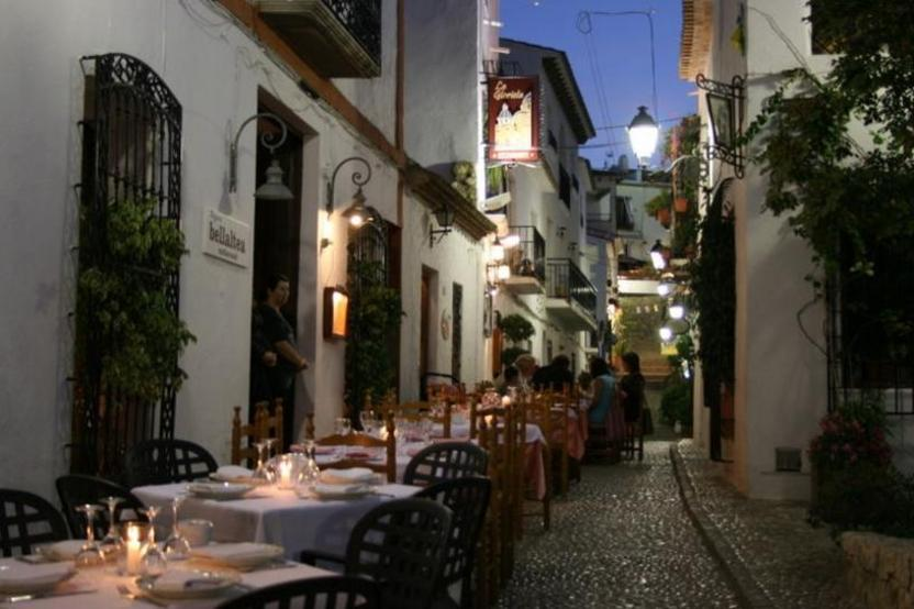Calle típica del casco antiguo Altea