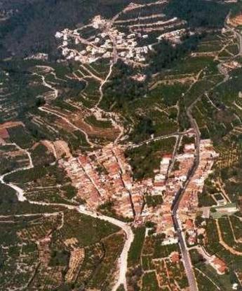 Adsubia (en valenciano, L'Atzúvia ) es un municipio de la Comunidad Valenciana (España)