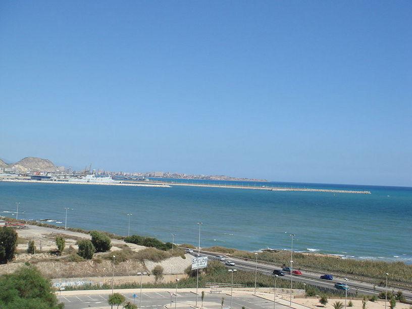 Vista de la zona ampliada del Puerto de Alicante