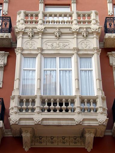 Arquitectura alrededor de la Palza Gabriel Miró