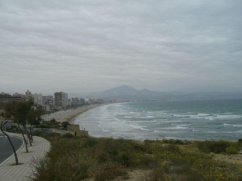 Playa de San Juan Una de las más populares de Alicante