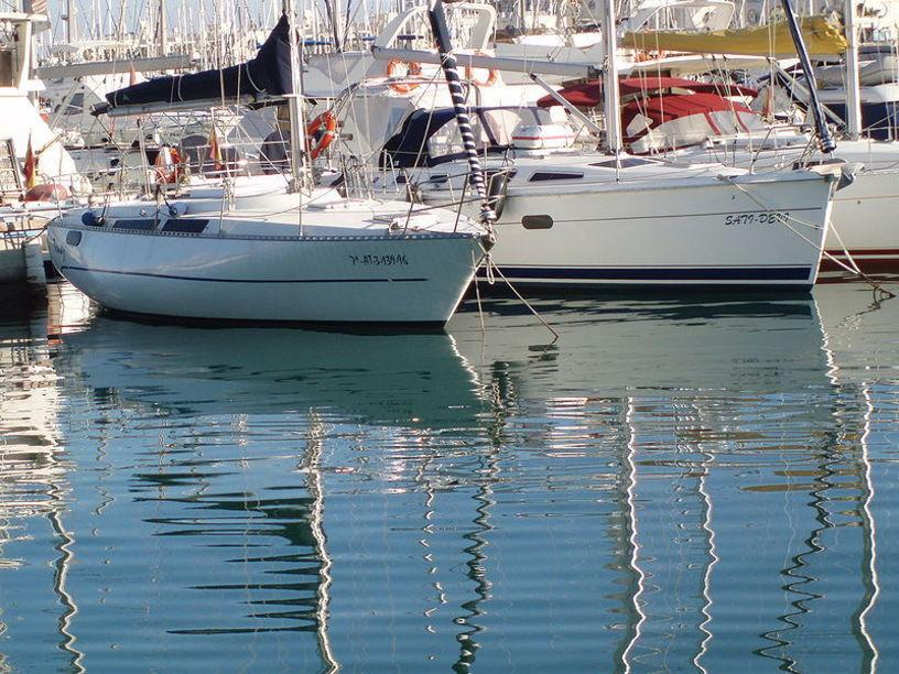 Pequeñas embarcaciones del Puerto de Alicante
