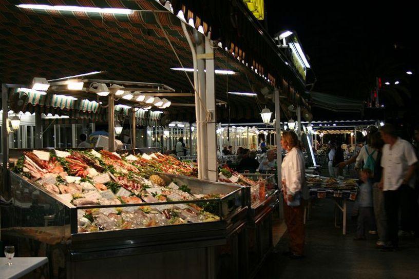 Mercado en el puerto de Calpe