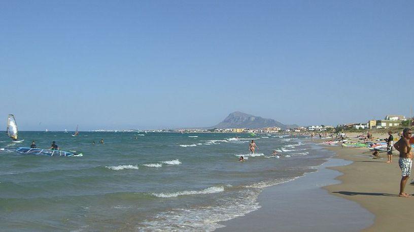 Vista de la Playa de Les Deveses en Denia