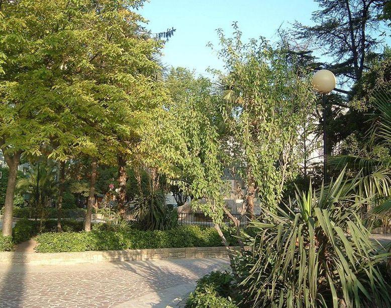 Parque Chapí, donde se encuentra el monumento en su homenaje Villena