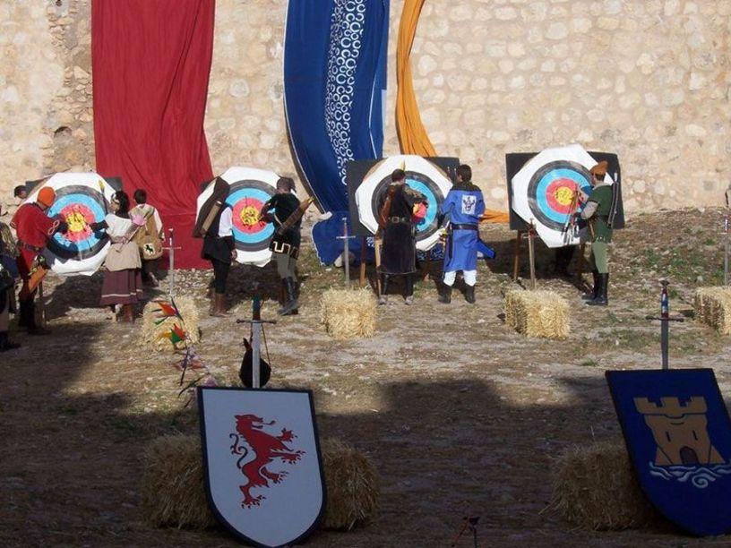 Villena y sus arqueros durante el mercado medieval