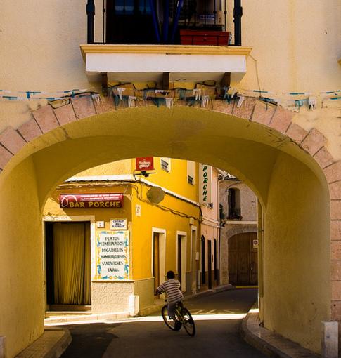 Arquitectura e historia de la villa de Alcalalí