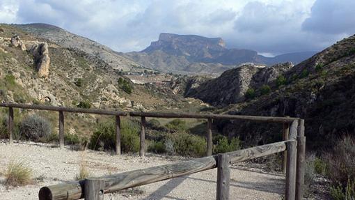 Vista desde el Mirador del Cid en los alrededores de el embalse de Elda