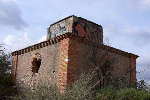 Restos de la edificación del embalse de Elda