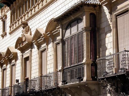Fachada del Palacio Rucalba en Orihuela