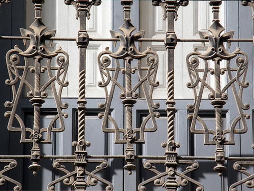 Balcon de un edificio en las inmediaciones de la plaza Abad Penalva