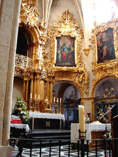 Imagenes e la Virgen en la Iglesia que lleva su nombre en Alicante
