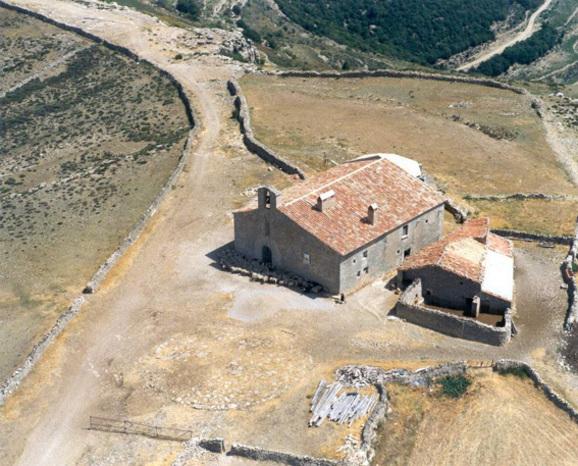 Vista desde arriba de la Ermita de San Pedro en Castellfort