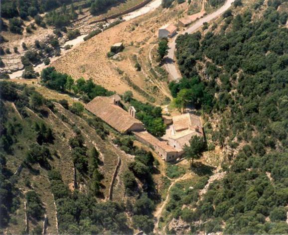 Vista desde lo alto de la Ermita de la  Virgen de la Fuente en Castellfort