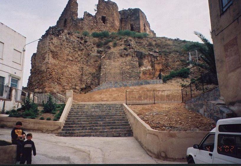 Vista del castillo de Castellnovo