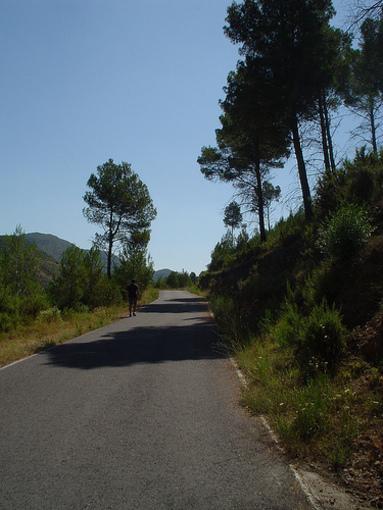 Accesos y caminos en Montán
