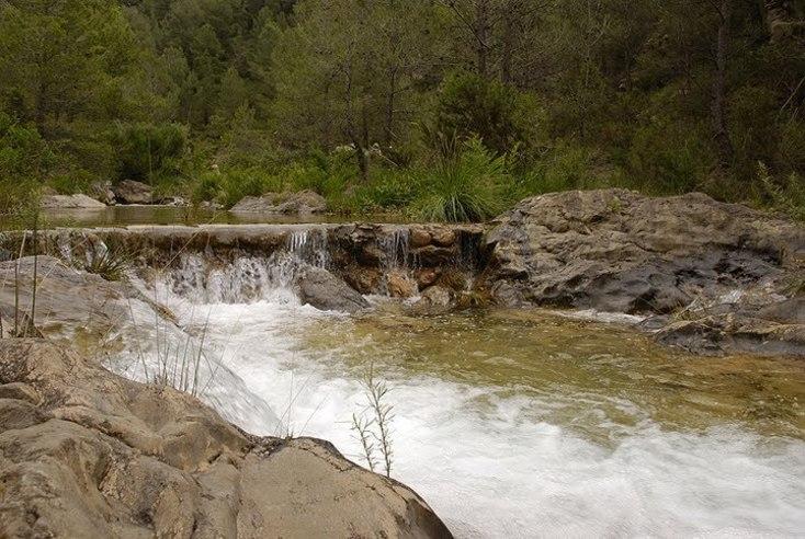 Aguas del Río Carbo en Villahermosa del Rio