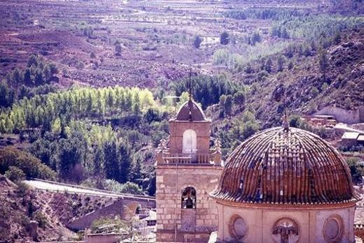Vista de la Iglesia desde el castillo