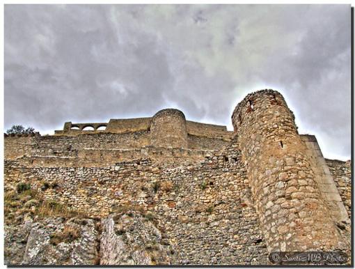 Vista del castillo de Morella desde abajo