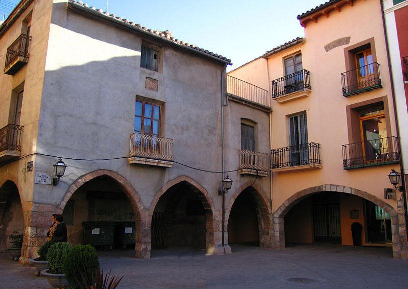 Vistes de les cases de la plaça Villareal