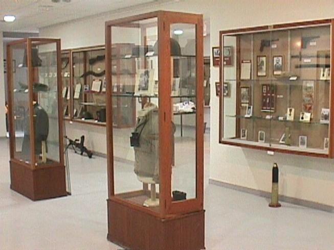 Vitrinas de el Museo Militar de Castellón de la Plana