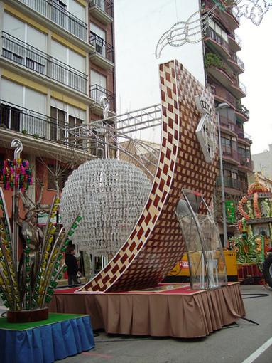 Gaiata de corte muy moderno, en las Calles de Castellón de la Plana
