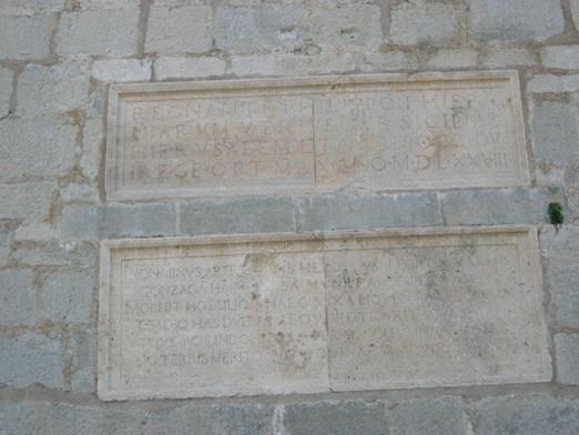 Inscripciones en las paredes de el Castillo de Peñíscola