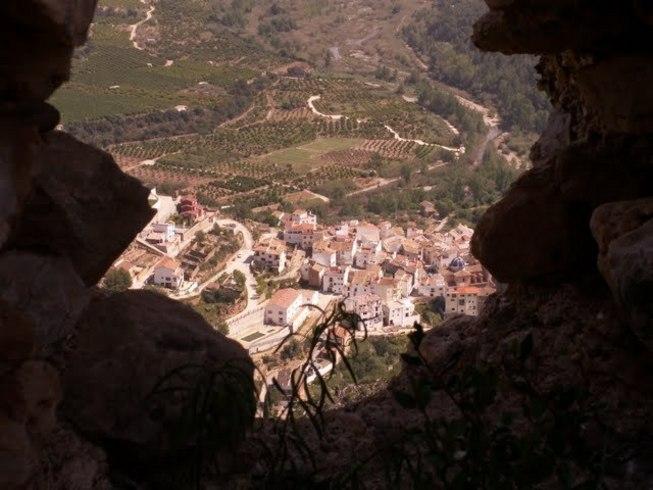 Espadilla vista desde el interior de el Castilloes