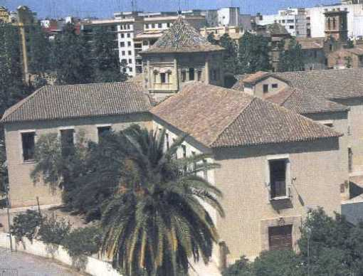Fachada del Hospital de los Pobres Inocentes en Valencia