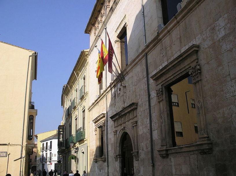 Fachada del  Ayuntamiento de Alzira, Valencia