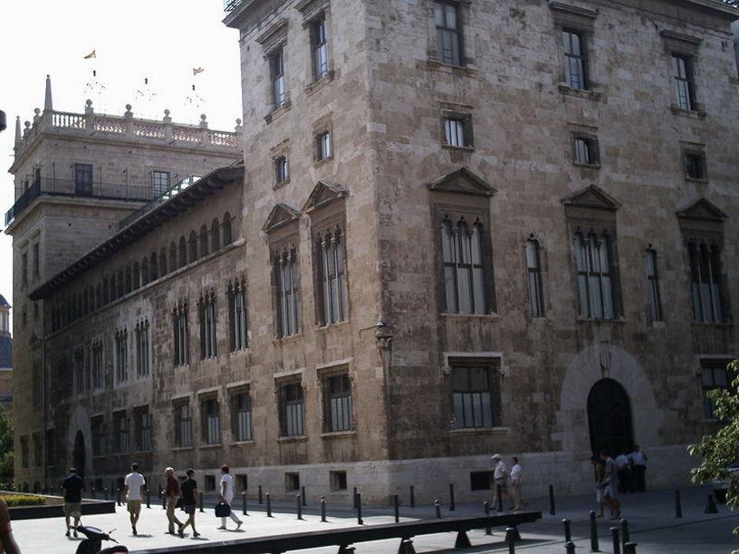 Palacio de la Generalidad desde la Plaza de Manises